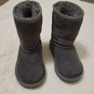 UGGs toddler size 7